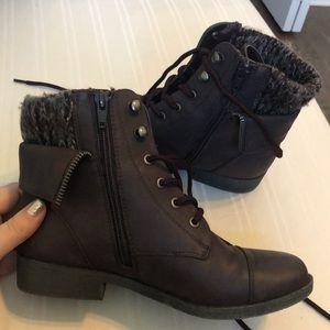 Mudd eggplant combat boots size 6
